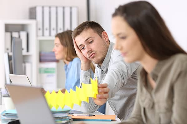 characteristics of unmotivated employees